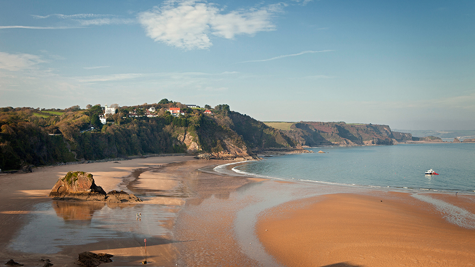 North Beach, Tenby, Pembrokeshire / Crown Copyright (2018) Visit Wales