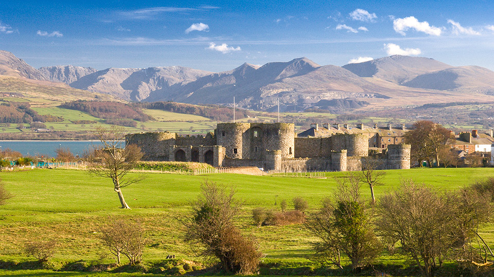 Beaumaris Castle, Anglesey / Crown Copyright (2018) Visit Wales