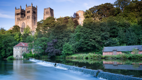Die Kathedrale von Durham am Fluss Wear - (foto: ©stocker1970/Shutterstock Royalty Free)