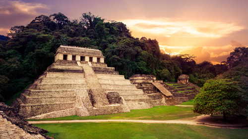 Blick auf Palenque - (Foto: ©Fer Gregory/Shutterstock Royalty Free)