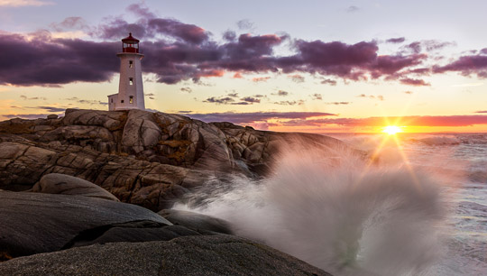Peggy's Cove in Nova Scotia - (Foto: ©Johnathan Rhynold/500px Royalty Free)