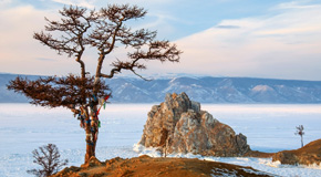Der Baikalsee friert im Winter ein - (Foto: ©Andrey Nekrasov/Getty Royalty Free)