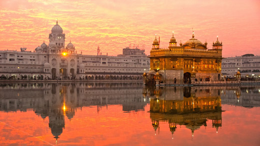 Golden Temple in Amritsar, Punjab, India - (Foto: ©MasterLu/Getty Royalty Free)