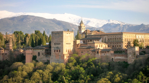 Islamische Kunst in Europa: die Alhambra im Süden Spaniens - (Foto: lizardhj/Budget Travel Collection)