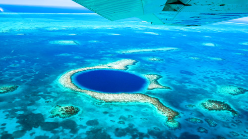 Das Blue Hole von Belize - (Foto: ©Emma Shaw/LP Staff Collection)
