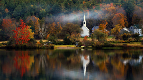 Kirche in Eaton im Herbst, New Hampshire - (Foto: © Libby Zhang/500px Royalty Free)