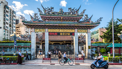 Longshan-Tempel in Taipeh - (Foto: ©LMspencer/Shutterstock Royalty Free)